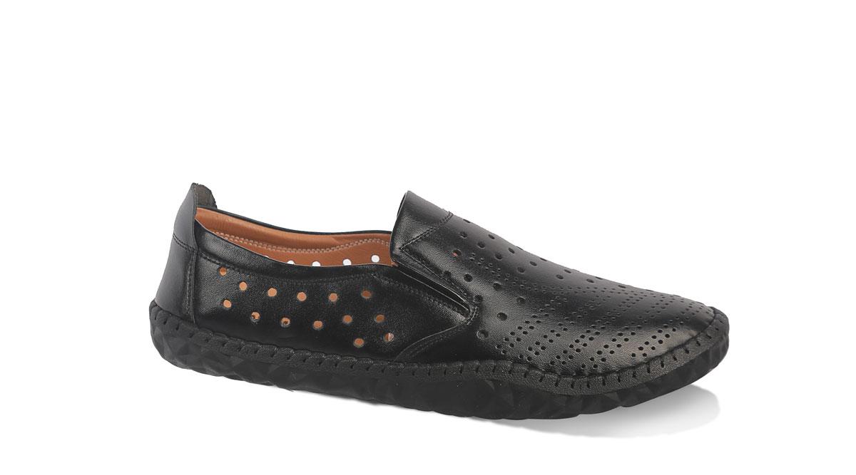 Giày lười đục lỗ