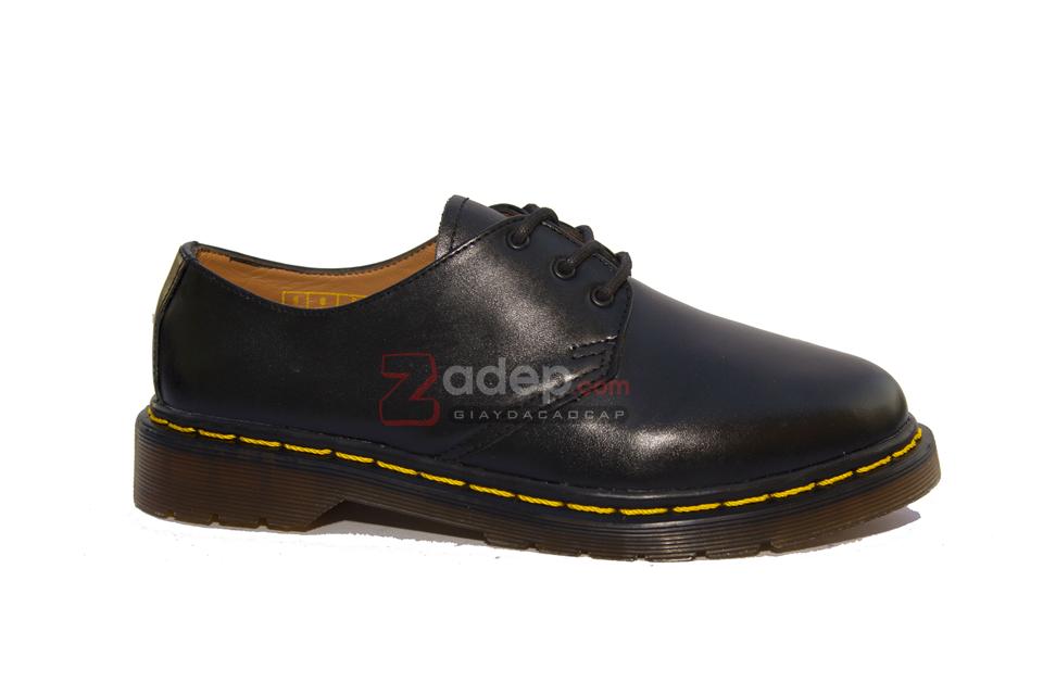 Giá giày dr martens 1461 tại gitana cũng tương đối phù hợp